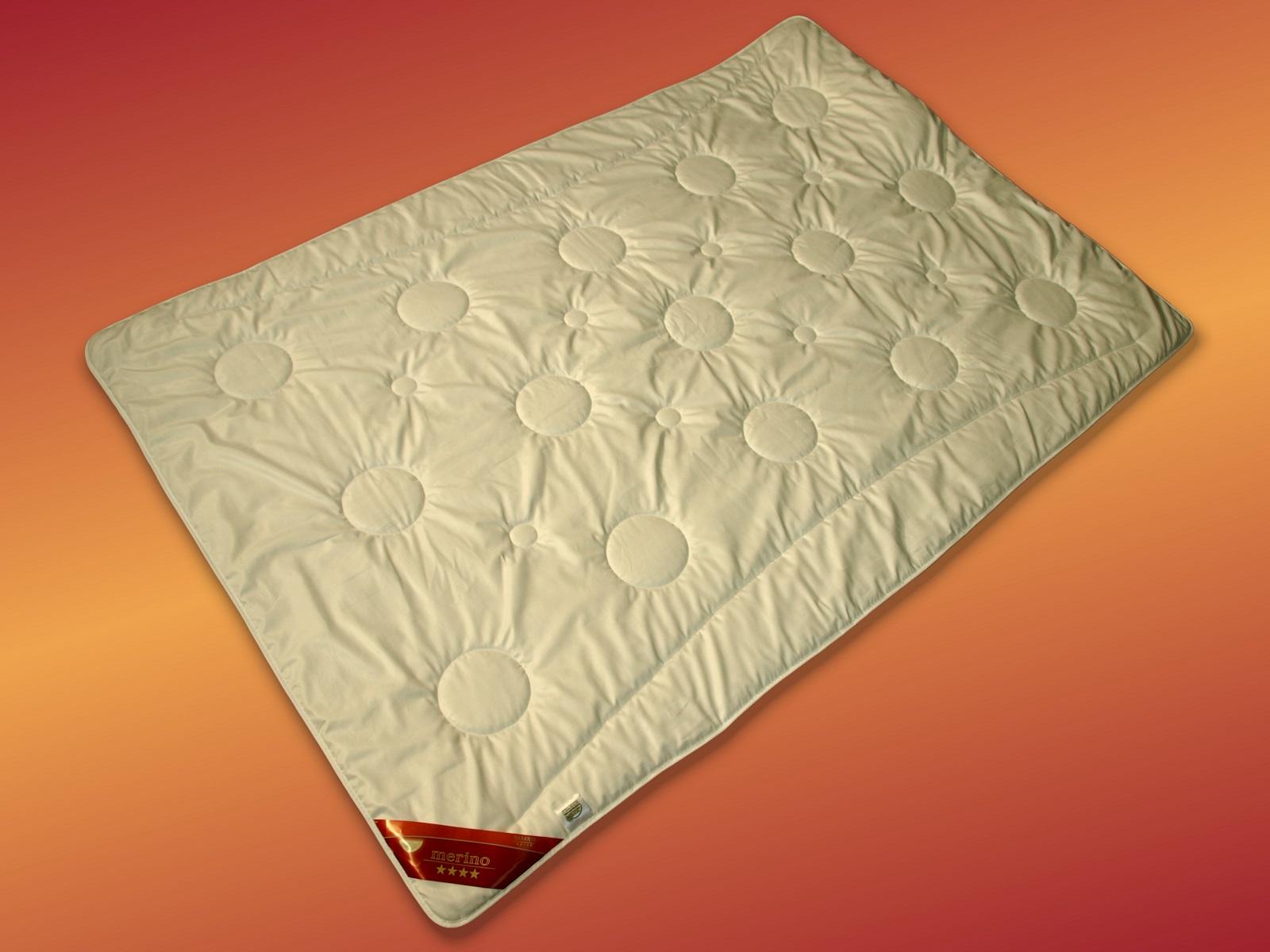 merino schurwolldecke garanta duo leichtsteppbett 100 schurwolle. Black Bedroom Furniture Sets. Home Design Ideas